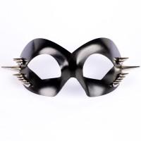 Кожаная маска с шипами Hero