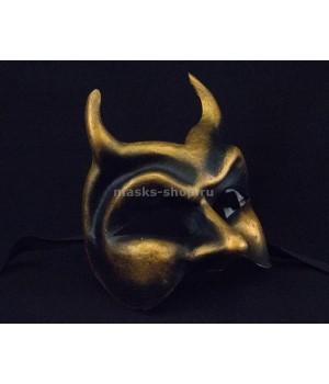 Маска демона на Хэллоуин